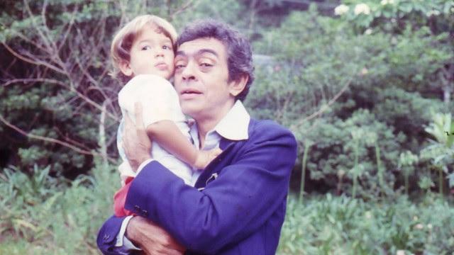 Bruno Mazzeo no colo do pai, Chico Anysio