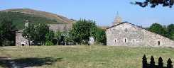 Pueblito e iglesia de Cebreiro