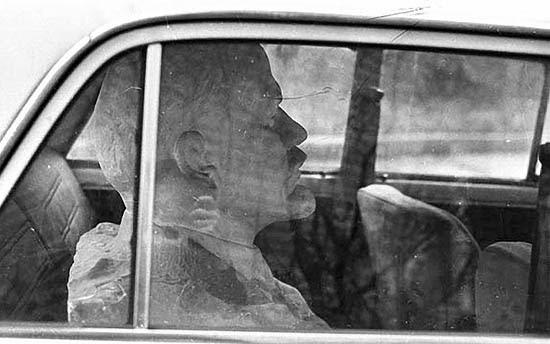 Vladimir Bogdanov: Lenin statue in car