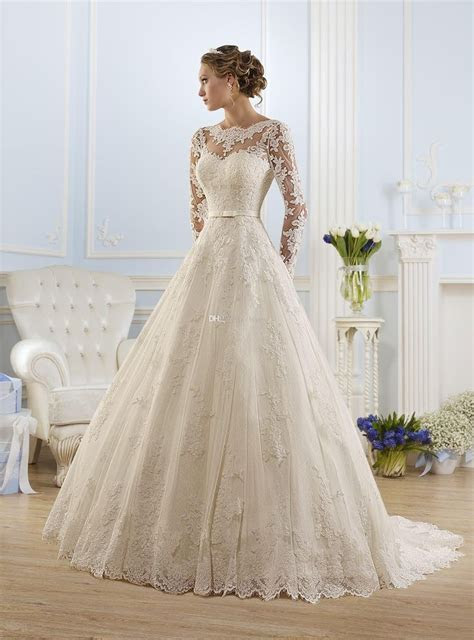 Best 25  Bow wedding dresses ideas on Pinterest   Timeless