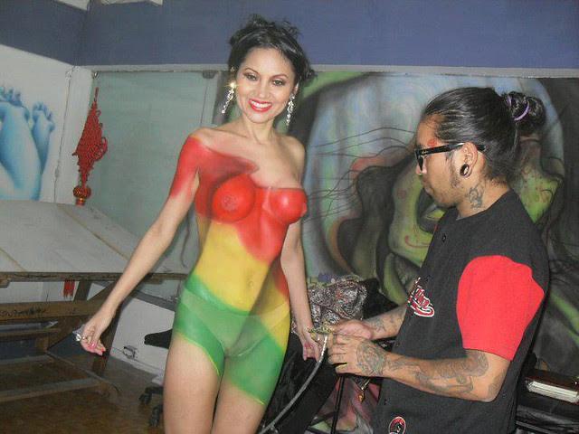 Semidesnudo y cuerpo pintado de Romy Villanueva (Foto 3)