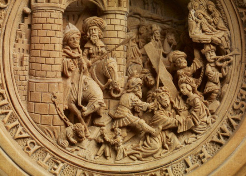 Castanhas de Oração do Século 16 primorosamente esculpidas 06
