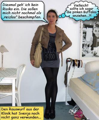 Svenja im Minikleid mit Overknee Stiefeln