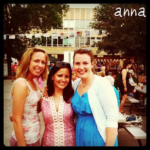 Anna, Friends
