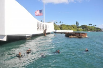 http://images.military.com/media/news/buildings/071012-ussarizona.jpg