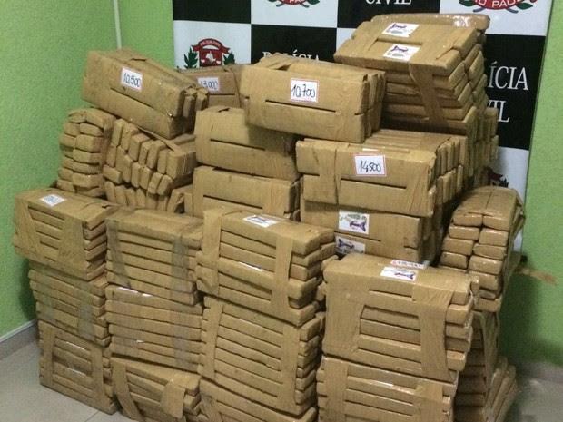 Foram apreendidos mais de 450 quilos de maconha em Sorocaba (Foto: Divulgação/Dise)