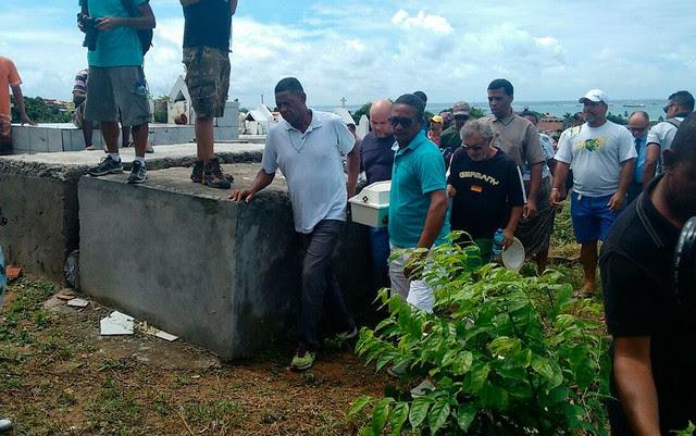 Davi Gabriel foi enterrado sob forte comoção | Foto: Maiana Belo/ G1