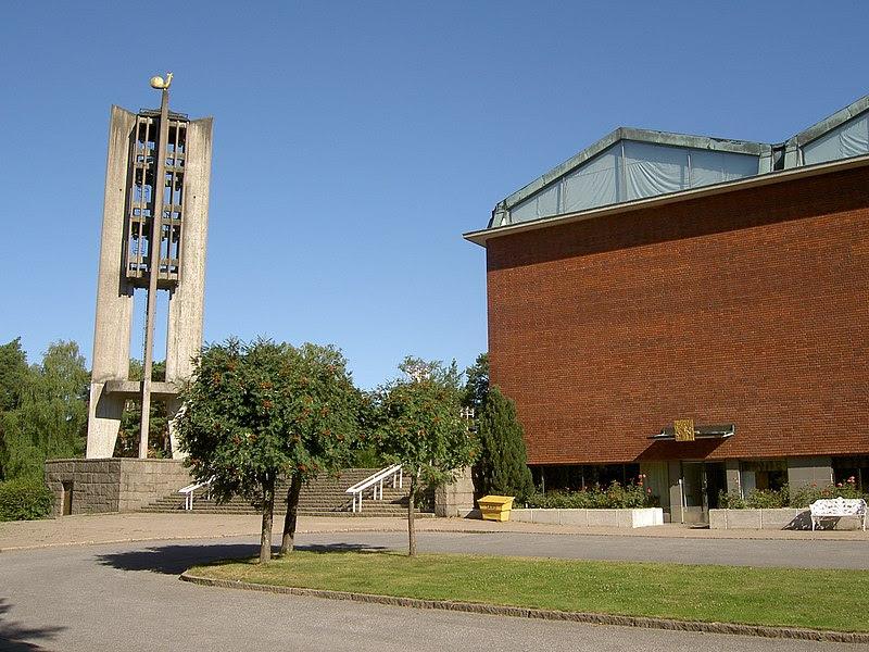 Råsunda kyrka ext4.jpg
