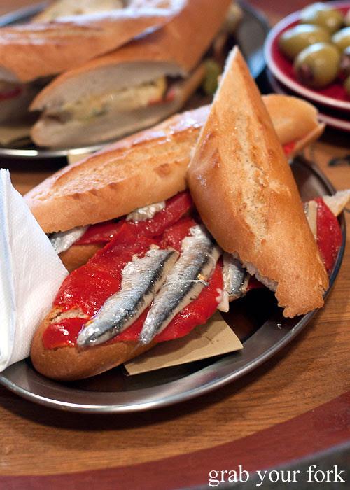 bocadillo de boquerones white anchovies encasa deli