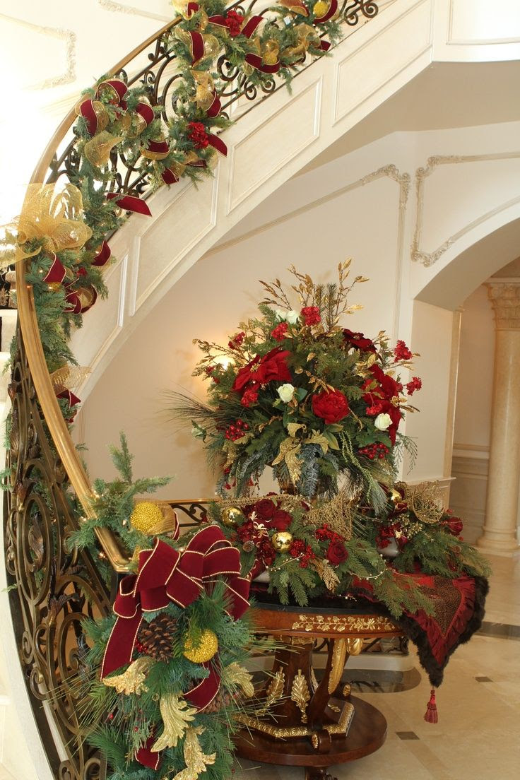 Staircase Garland for Chirstmas