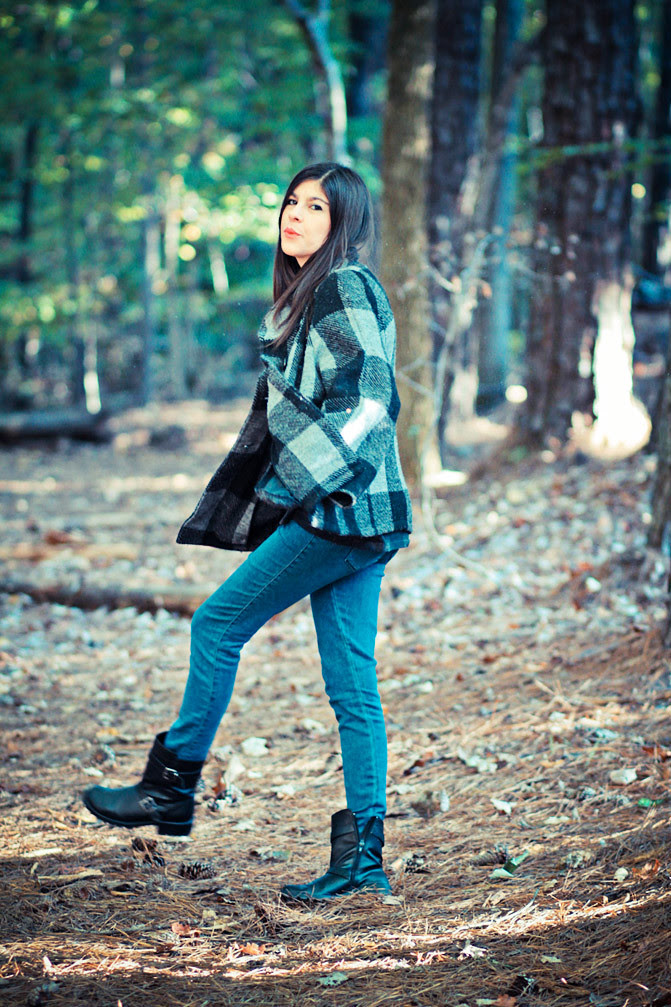 Fashion outfit, Skinny Jeans, Chinese Laundry boots