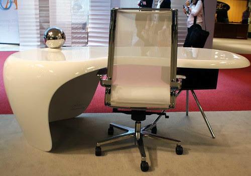 uno-desk-3 #NeoCon09
