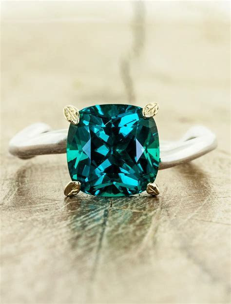 Nicci: Cushion Cut Emerald, Asymmetrical Wave Band   Ken