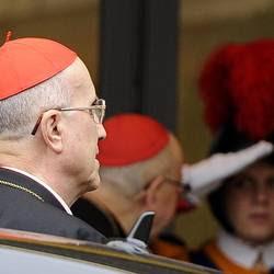 Vaticano, si chiude l'era Bertone