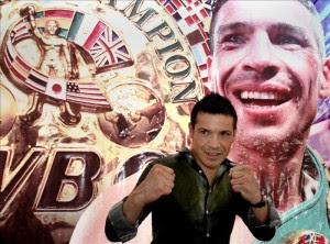 """El boxeador argentino Sergio """"Maravilla"""" Martinez, posa hoy, viernes 28 de junio de 2013, en una rueda de prensa en Ciudad de México. EFE"""