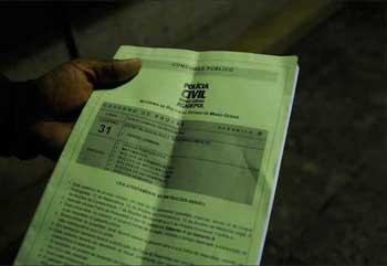 Caderno que tinha questões incorretas, o que levou à marcação de um novo exame, em 30 dias  (Túlio Santos/EM/D.A PRESS)
