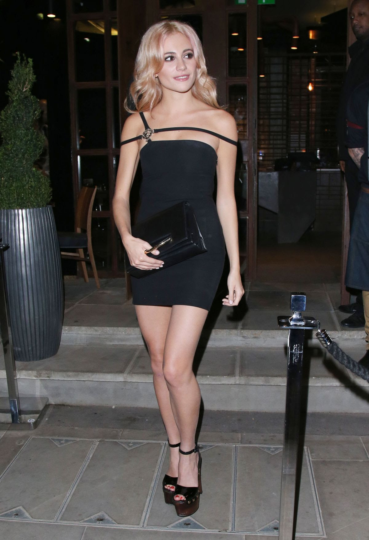 PIXIE LOTT Leaves Zebrano City Restaurant in London 11/14/2015