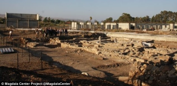 A sinagoga foi descoberta durante as escavações para a construção de um hotel