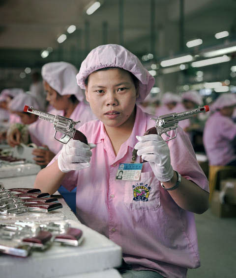 fabrica china trabajadores chinos mattel juguetes 05