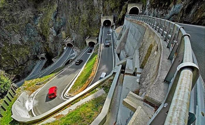 Passo San Boldo atau San Boldo Pass ialah jalan yang melewati gunung  kecil di Veneto ant Jalan Unik Ini Dibuat Hanya dalam 100 Hari