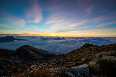 photo dawn clouds panorma mombarone  image