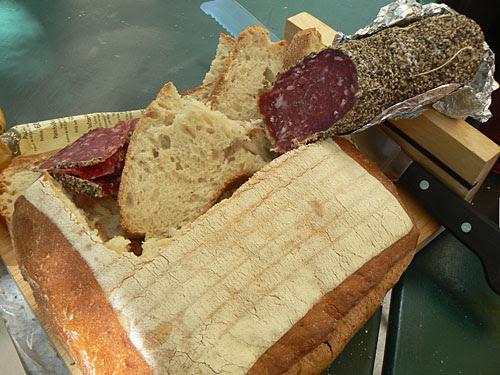 pain et saucisson.jpg