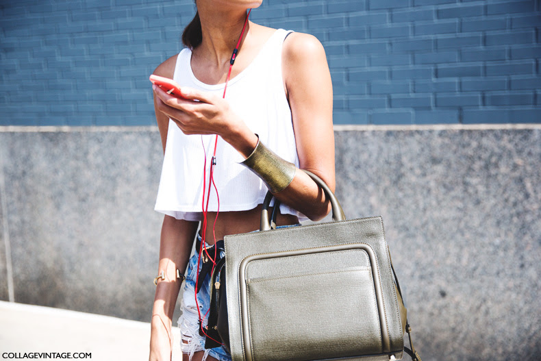 New_York_Fashion_Week_Spring_Summer_15-NYFW-Street_Style-Gold_Bracelet-Cropped_Top-