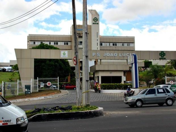 Crime aconteceu em frente ao Hospital João Lúcio (Foto: Suelen Gonçalves/G1 AM)