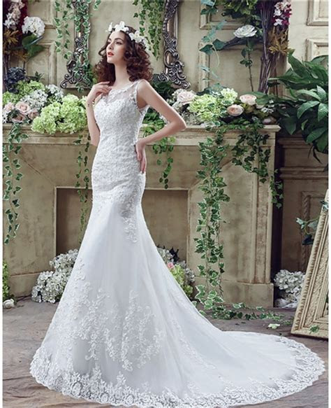Fit And Flare Curvy Lace Wedding Dress Summer With Low
