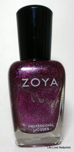 Zoya Carly