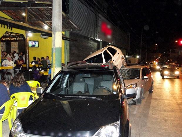 Motorista disse a PM que arrancou carro engrenado e com freio de mão puxado (Foto: Humberto Trajano / G1)