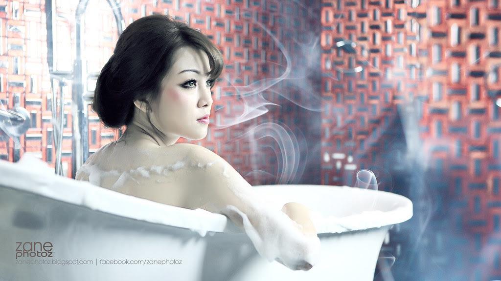 http://zanephotoz.blogspot.com/2014/03/jessi-bath.html