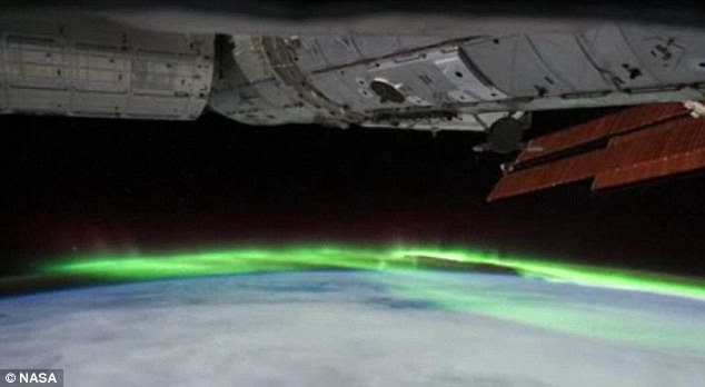 Exclusive Video of Aurora Australis (Southern Lights)