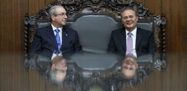 O presidente do Senado, Renan Calheiros (PMDB-AL), à dir., recebe o presidente da Câmara dos Deputados, Eduardo Cunha (PMDB-RJ), em seu gabinete