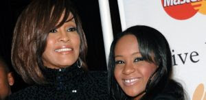 Morte de Bobbi Kristina, filha de Whtiney Houston, será investigada
