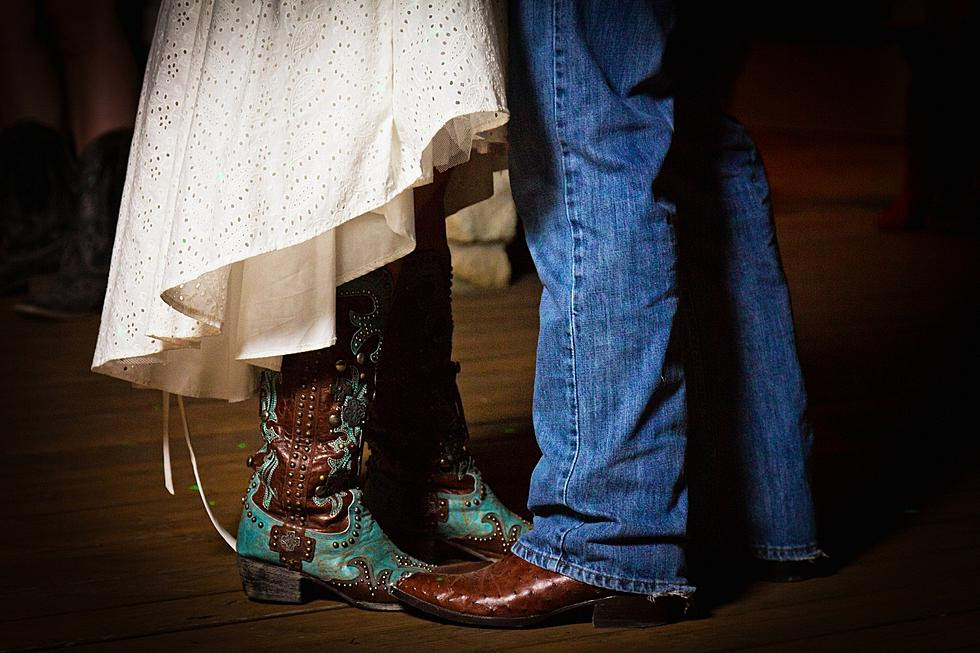 Top 5 Hot Country Songs For Your First Wedding Dance