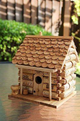 10 Super Cute DIY Cork Garden Ideas