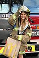 chrissy teigen delivers mcdonalds meals to firefighters 03