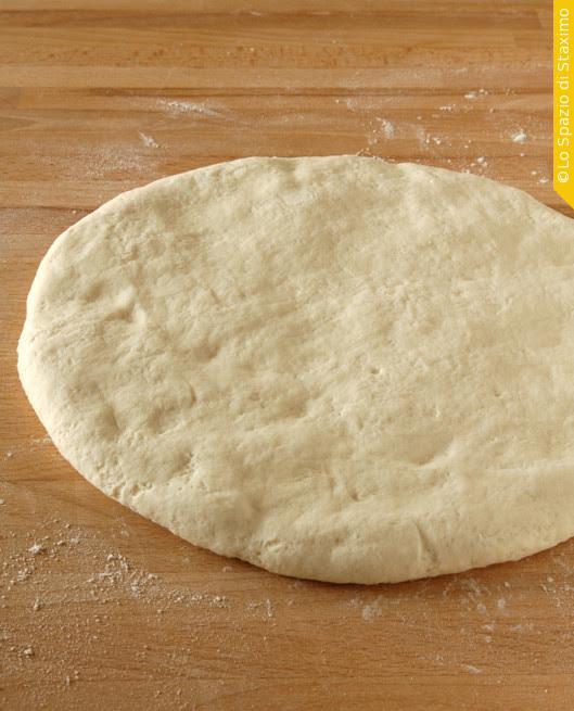 Pane Semplice di Rinfresco: appiattito