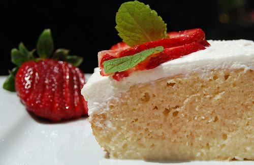 Pastel Tres Leches - Tres Leches Cake