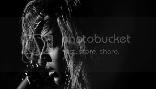 'Beyoncé' album remains #1 with strong sales, 'Drunk In Love' debuts high on Hot 100...