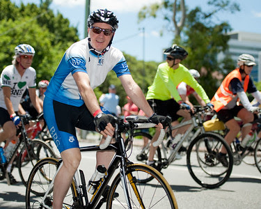 Queensland Ride Relief, led by Lance Armstrong, Robbie McEwen & Allan Davis; Brisbane, Queensland, Australia; Monday 24 January 2011. Photos by Des Thureson - http://disci.smugmug.com