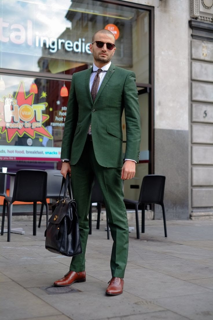 SMART CASUAL: green suit