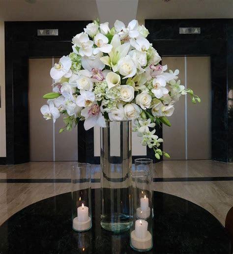 Dendrobium, Cymbidium & Phalenopsis orchids, white Calla