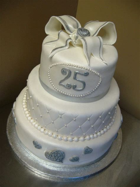 179 best images about Anniversary Cake Ideas on Pinterest