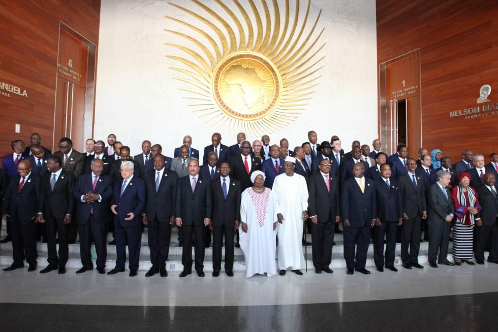 Foto de familia durante la 28ª Cumbre de la UA.