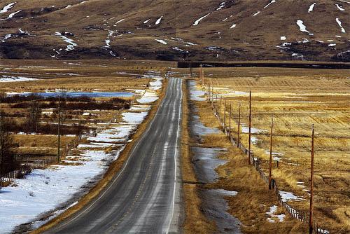Estrada para o fim do mundo em Alberta, Canadá