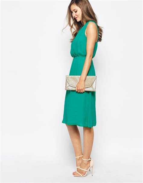 What to Wear to a May Wedding   Evening   Green wedding