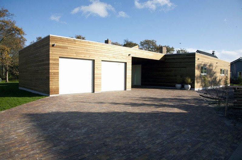 Modern Double Garage with Electric Rolling Door - Interior Design ...