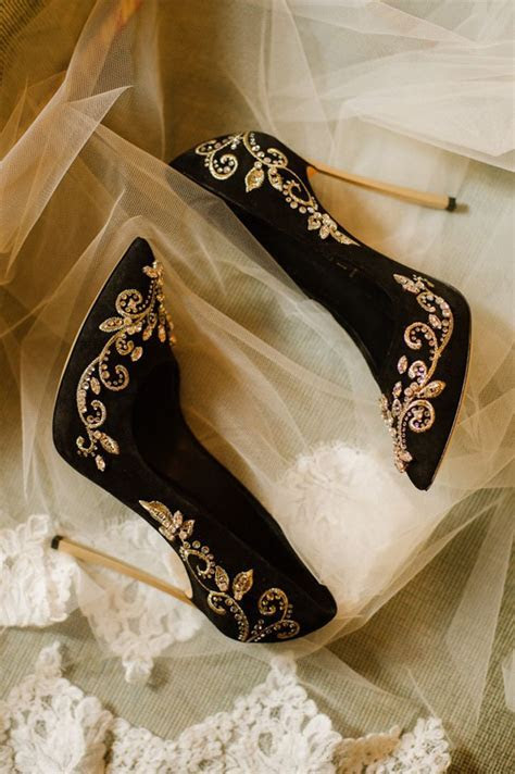 Wedding Inspiration in 2019   Black and Gold Wedding Ideas
